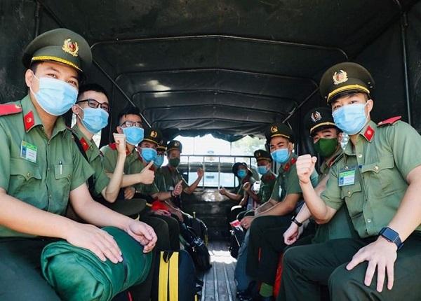 Bộ GDĐT điều chỉnh thi tốt nghiệp, xét tuyển vào Công an, Quân đội thế nào?
