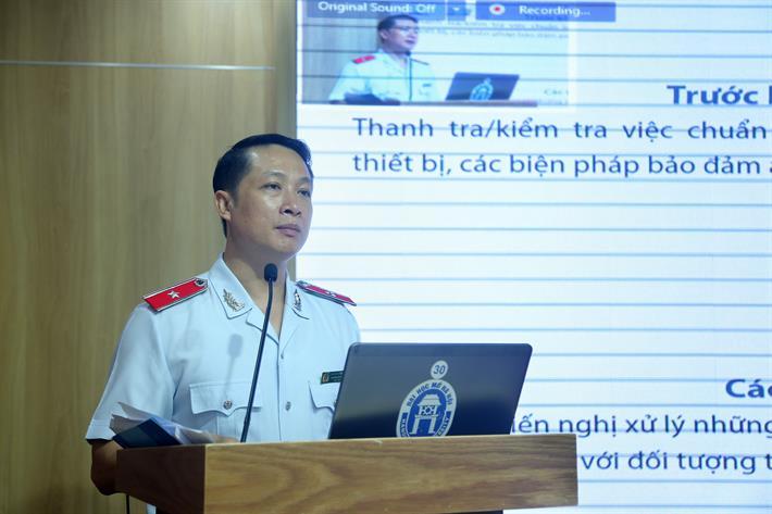 Chánh Thanh tra Bộ GDĐT Nguyễn Đức Cường trình bàybáo cáo